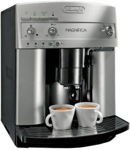 DeLonghi ESAM3300 Magnifica Super big 2